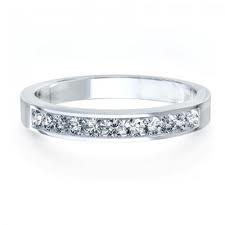 Alianza de diamantes talla brillante en oro blanco