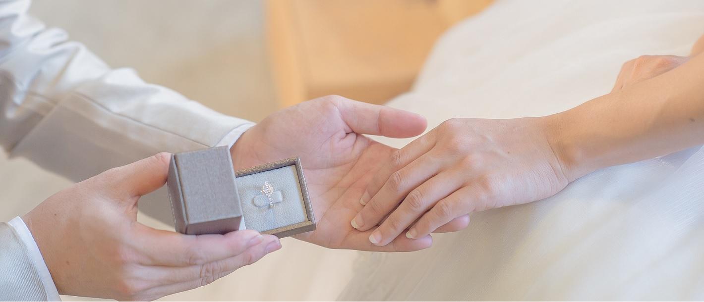 Consejos para comprar un anillo de promesa
