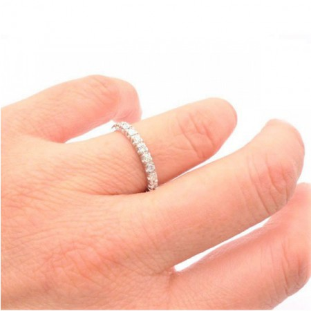 alianza diamantes oro blanco mano