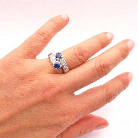 anillos de zafiro tu y yo mano