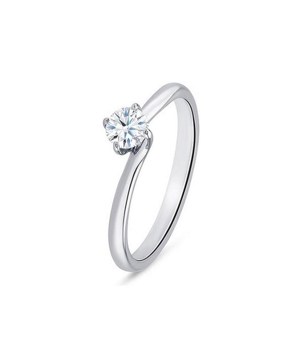 """""""ArbahStyle"""", Anillo de Oro blanco de 18K y Diamante de precioso diseño clásico"""