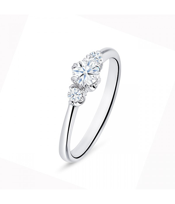 "Anillo ""SHALOSH"" 3 Diamantes 0.32 cts de oro blanco"