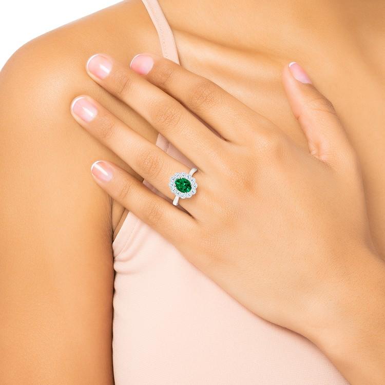 Anillo de Oro Blanco con Esmeralda y Brillantes Green Osaka