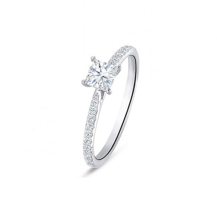 "Anillo diamantes ""Itami"" 0.37 cts. Oro 18 kilates en talla princesa"