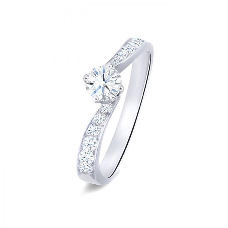 "Anillo ""Look"" oro blanco con diamante"