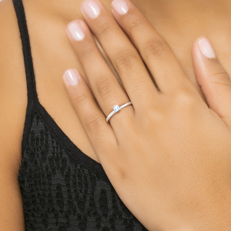 """Sortija """"Lido S"""" Oro blanco con diamante 0.15 cts"""