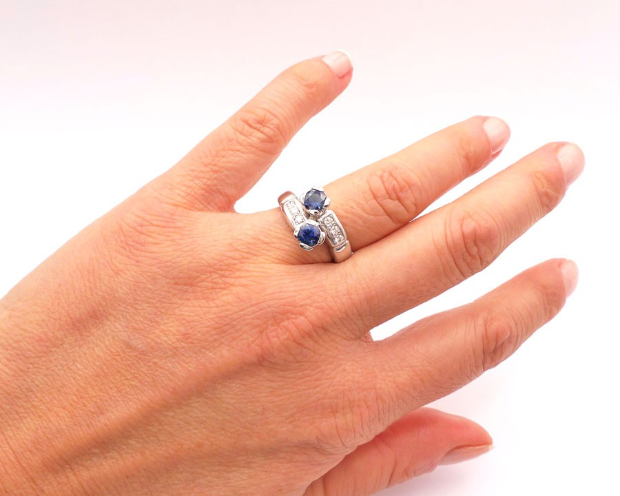 anillo de zafiro y diamantes tu y yo