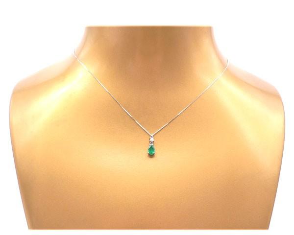 colgante oro con esmeralda  diamante