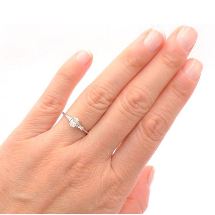 anillo  mano diamante oval Florida