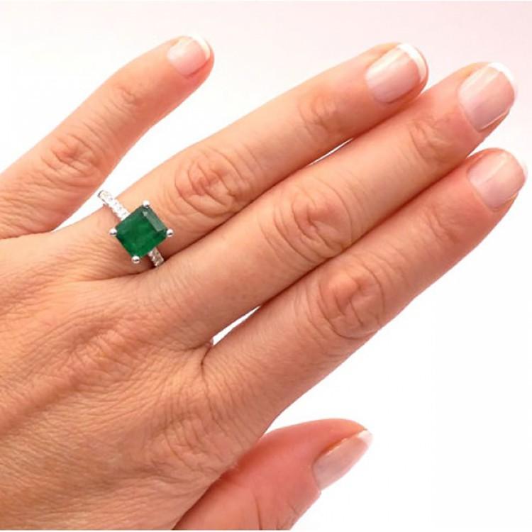 anillo esmeralda cairo mano