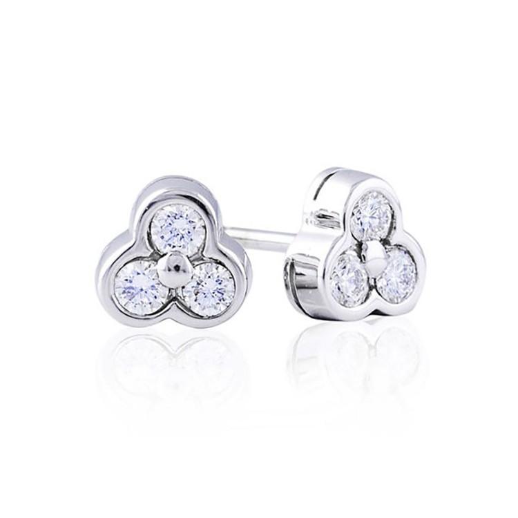 pendientes con tres diamantes