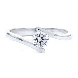 anillo compromiso oro diamantes