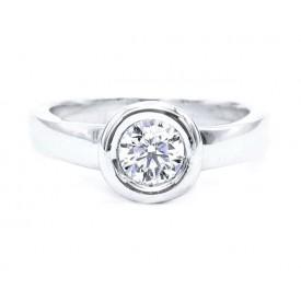 anillo diamante en chatón