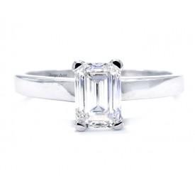 anillo con diamante esmeralda