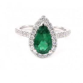 anillo esmeralda con diamantes
