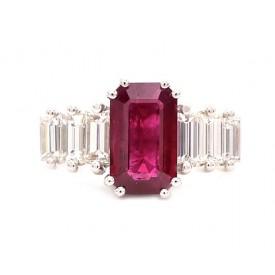 anillo de rubi baguette