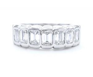 alianzas de diamantes esmeralda