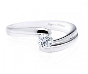 anillo solitario compromiso moderno