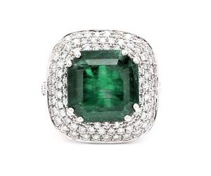 anillo de esmeralda cuadrado