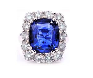anillo de zafiro con diamantes
