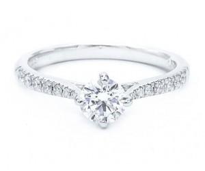 anillos de compromiso diamantes brazo
