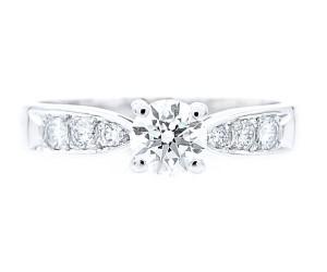 anillos de diamantes brillantes