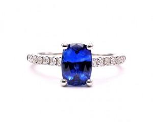 anillos de zafiro