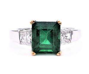 anillos de compromiso esmeraldas