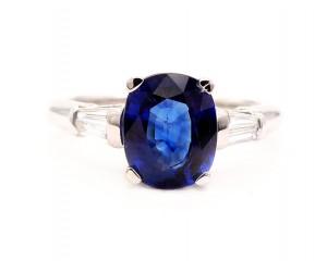 anillo de zafiro compromiso