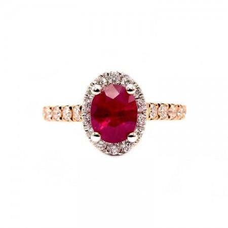 anillo con diamantes y rubi central
