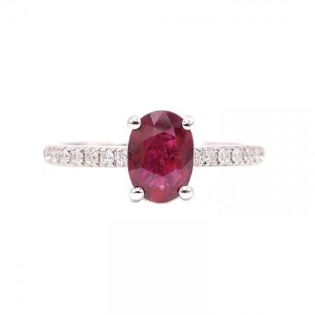 anillo rubi oval pequeño
