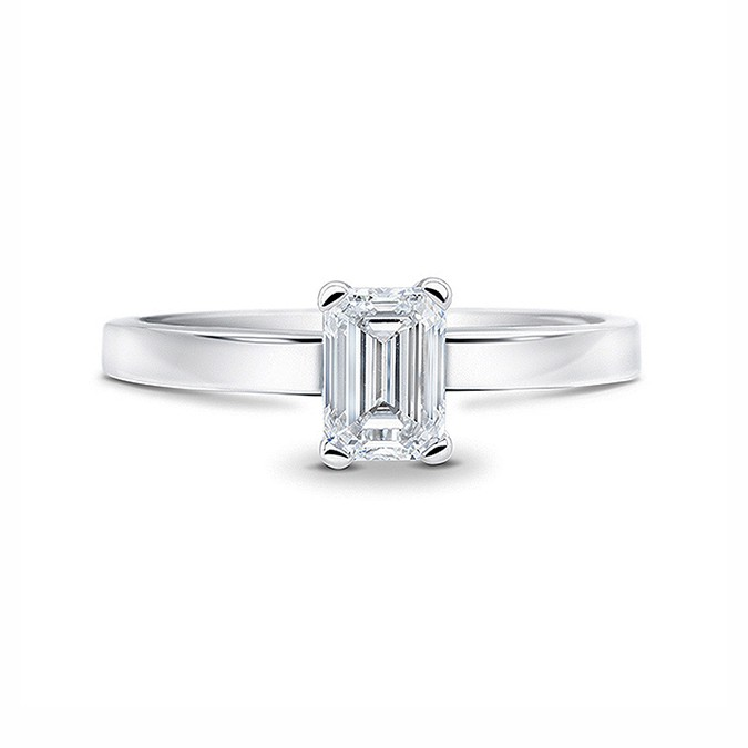 "Anillo ""Emerald Cut"" 0.70 cts. oro blanco 18k y diamante"
