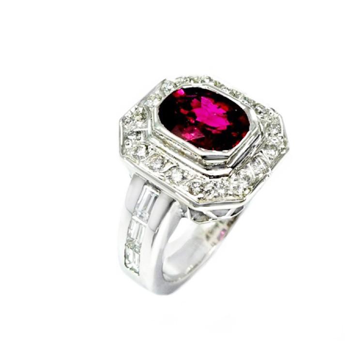 anillo con rubi y brillantes
