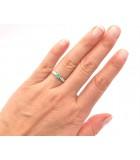 anillo esmeralda compromiso mano