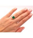 anillos esmeralda mano