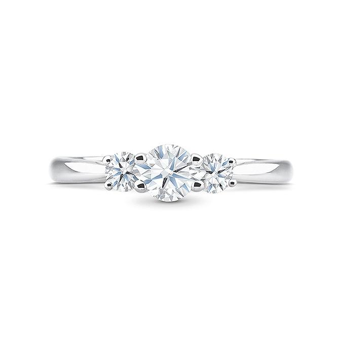 """Anillo tresillo diamantes oro blanco 18k """"Tetuán"""", femenino y elegante"""
