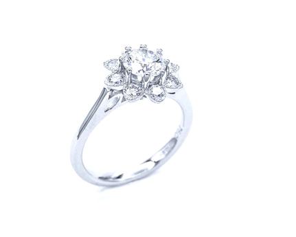 anillo de oro blanco platino